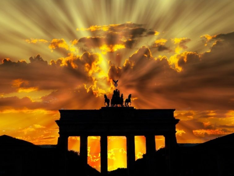 brandenburger-tor-dusk-dawn-twilight-sunset-berlin