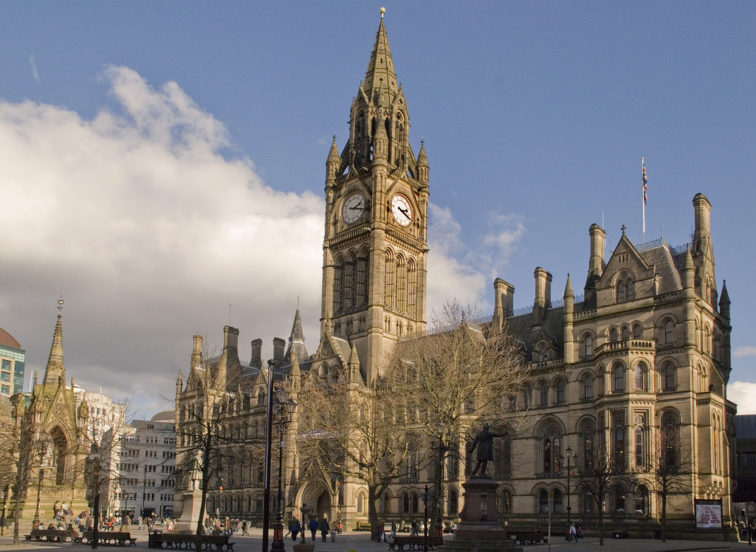 manchester_town_hall_from_lloyd_st